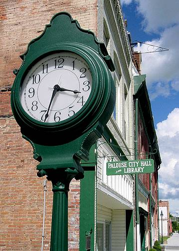 clock-library-cityhall